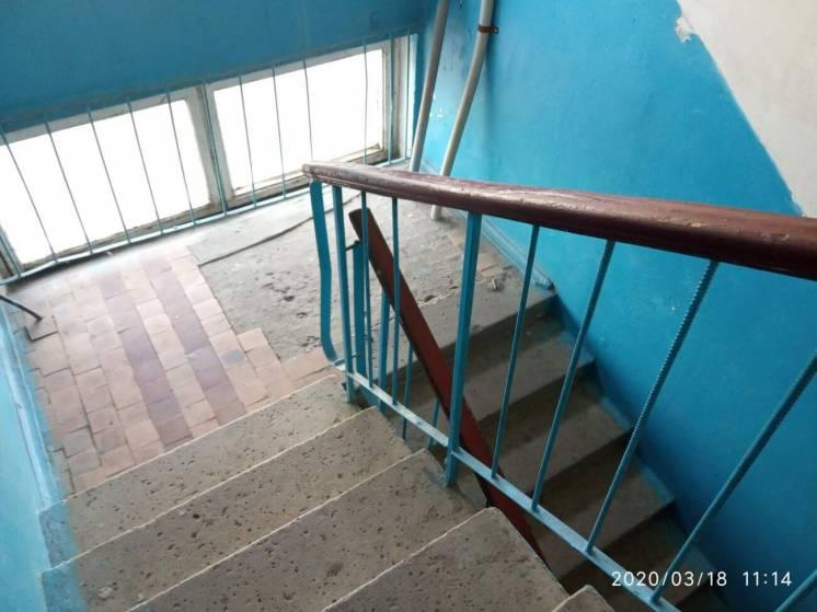 Внимание! Продам 2-комнатную квартиру в Жовтневом р-не кв. Комарова