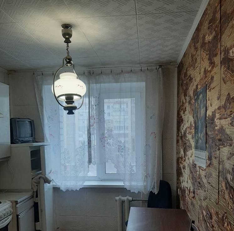 2 комнатная квартира в хорошем кирпичном доме пр.200 лет Херсона, р-н.