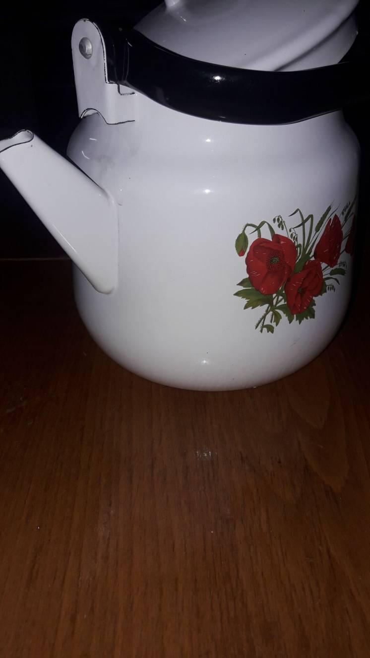 Чайник эмалированный (новый)