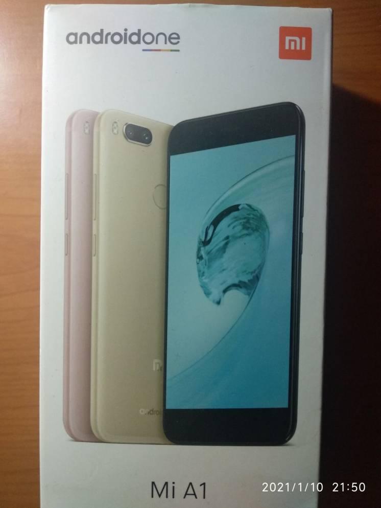 Продам смартфон Xiaomi mi a1 4/64 android 9