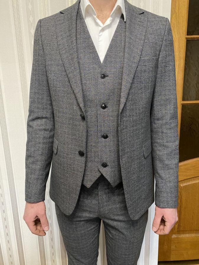 Чоловічий костюм 3-йка