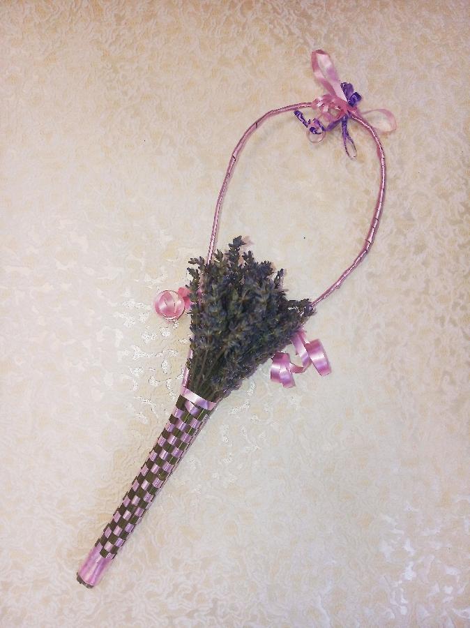 Декоративный букет лавпнды с плетением корзинка
