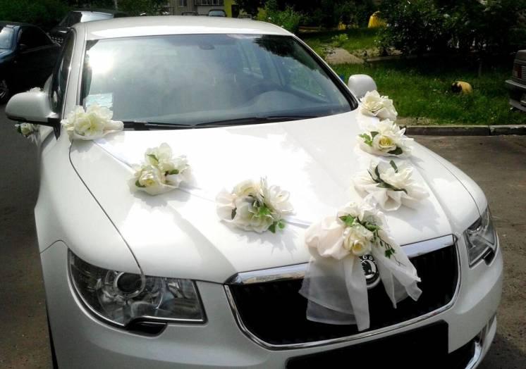 украшения цветы декор на свадебный автомобиль аренда Киев
