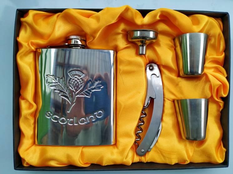 Сувенирный набор фляга Scotland , штопор, рюмки, лейка (нержавейка)