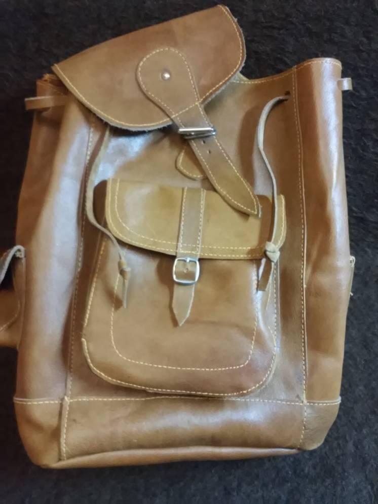 Продам новый рюкзак из верблюжьей кожи