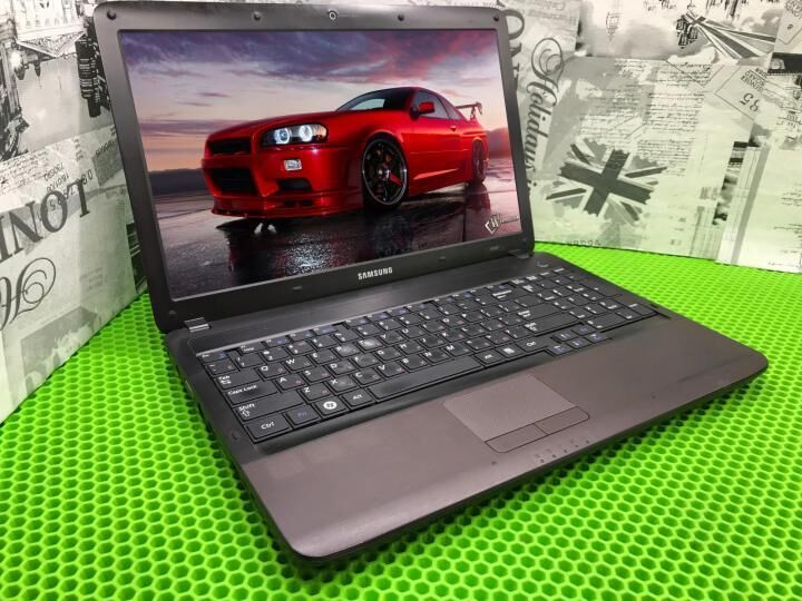Мощный , игровой ноутбук Samsung R540 (Core I7 8Гиг 2часа).