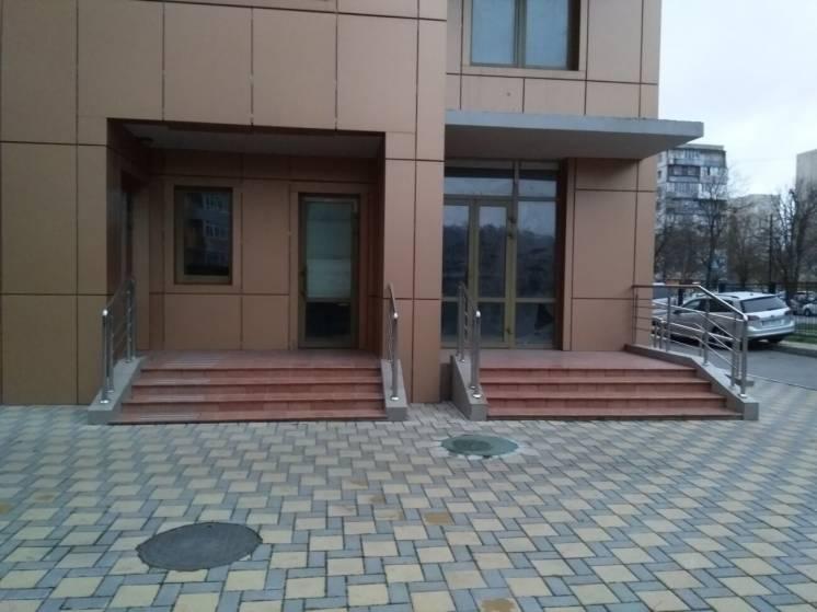 Продам нежилое помещение 82м2 на Кондратюка, 3,  ЖК Министерский