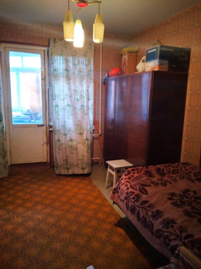 Продается просторная 3-ком. квартира на Таврическом.
