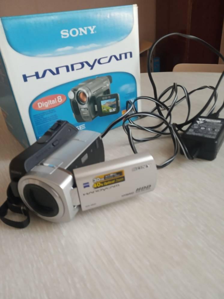 Продаю цифровую видеокамеру