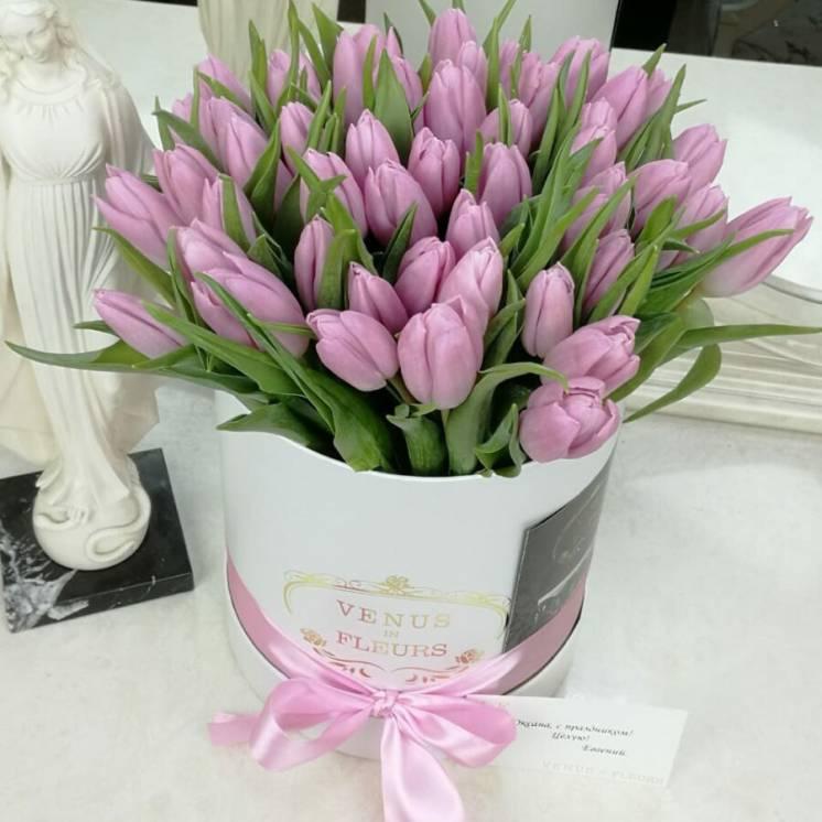 Букеты тюльпанов на 8 марта с доставкой