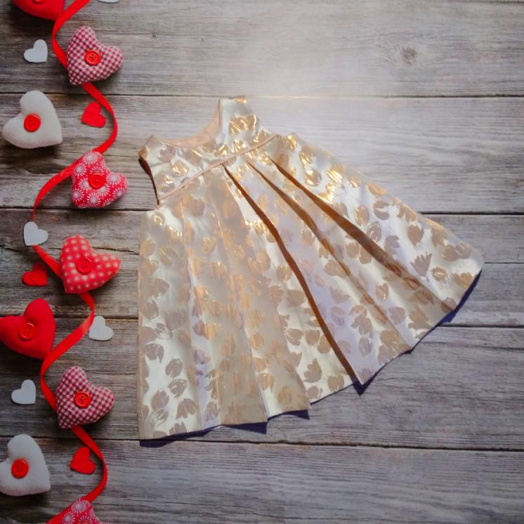 Платье на 6-9 месяцев. Фирма Catherine Malandrino