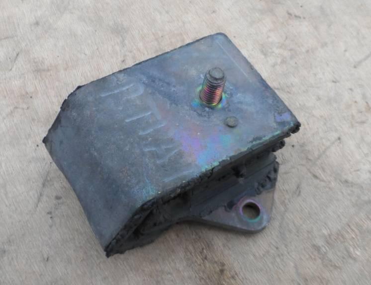 Опора, подушка двигателя Рено Трафик Renault Trafic