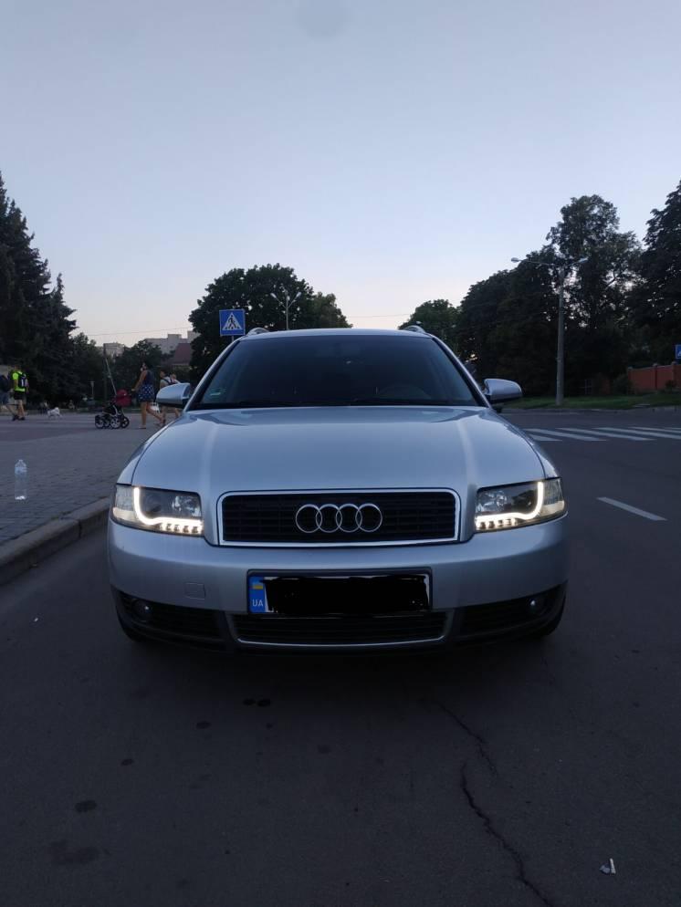 Продам своє авто Audi A4