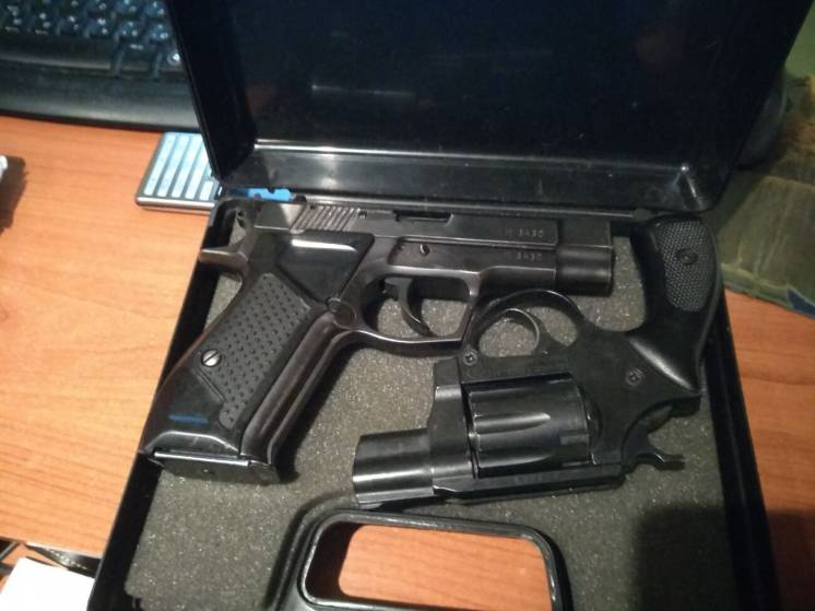 Продам пластиковый кейс для пистолета