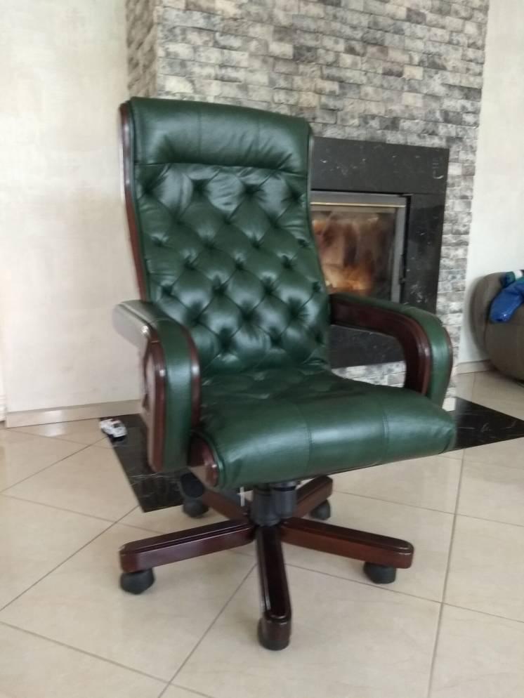 Новое кожаное кресло кабинетное,  начальника, управляющего, руководите