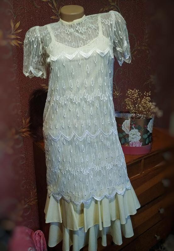 Сток/Винтажное молочное кружевное платье миди свободного кроя