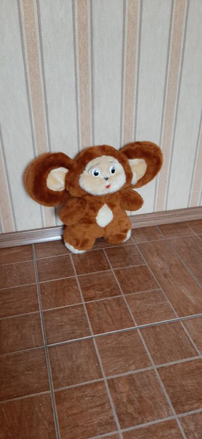 М'яка іграшка Чебурашка.