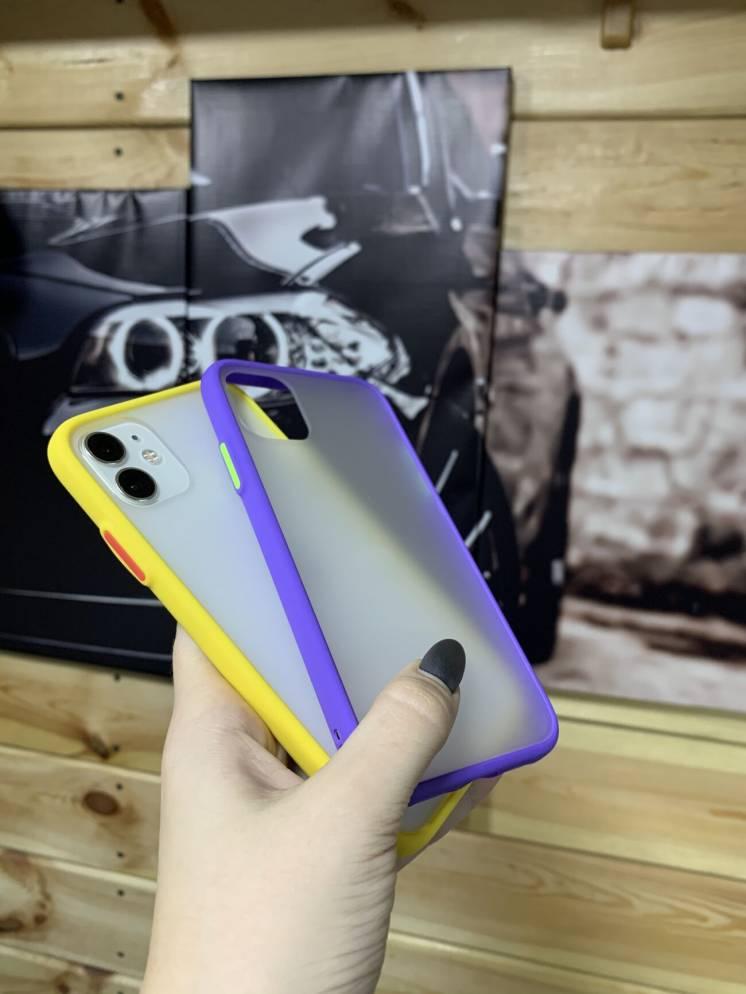 Чехол для айфона 11 с неоновым бампером