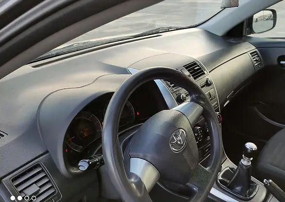 Накладка торпеды Toyota Corolla 150 2007-2013 года 55302-12121-B0