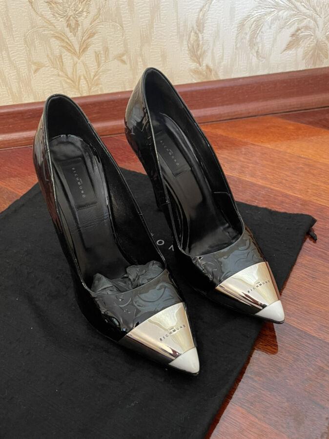 Туфли,лодочки John Richmond
