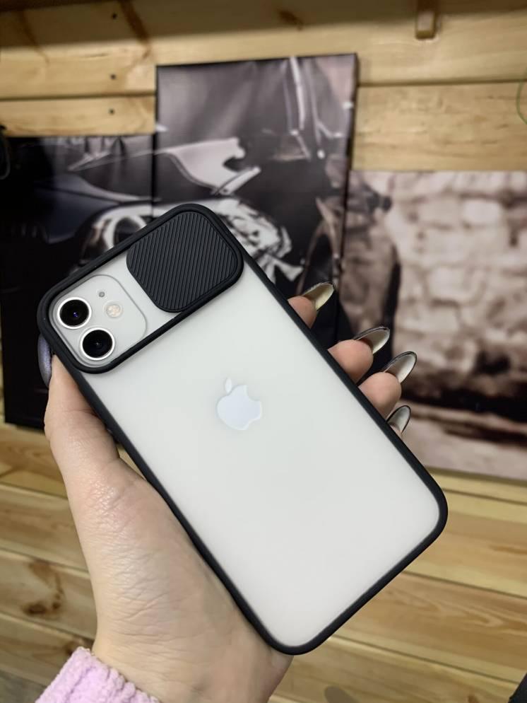Чехол на iPhone 11 с защитой камеры, чёрный