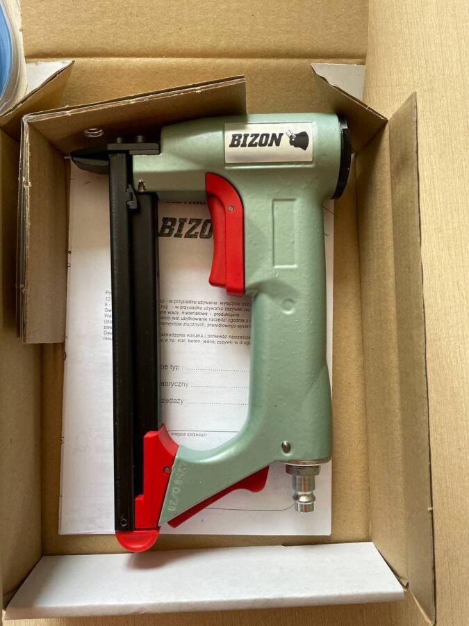 Скобозабивач Bizon 380/420