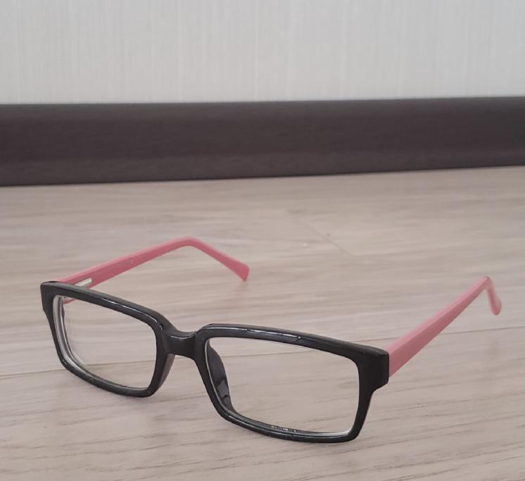 Очки для зрения (- 2). Новые очки с новой оправой (Близорукость