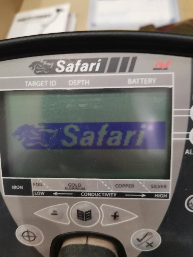 Металлоискатель Minelab Safari