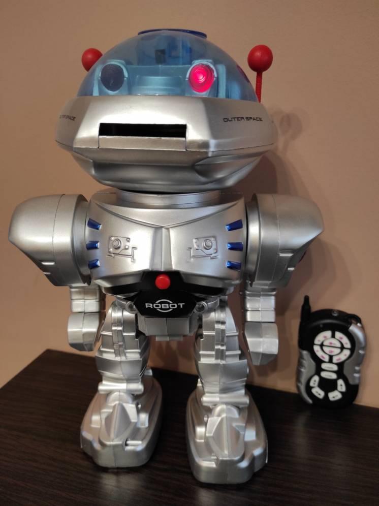Робот-іграшка FENGYUAN з пультом керування