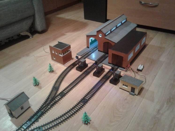 Модель локомотивного депо для жд FENFA H0