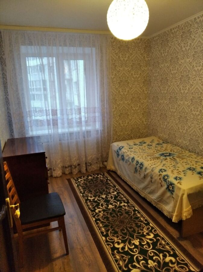 Окрема кімната для хлопця на Космонавтів