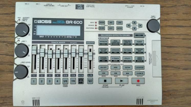 студия звукозаписи Boss BR 600