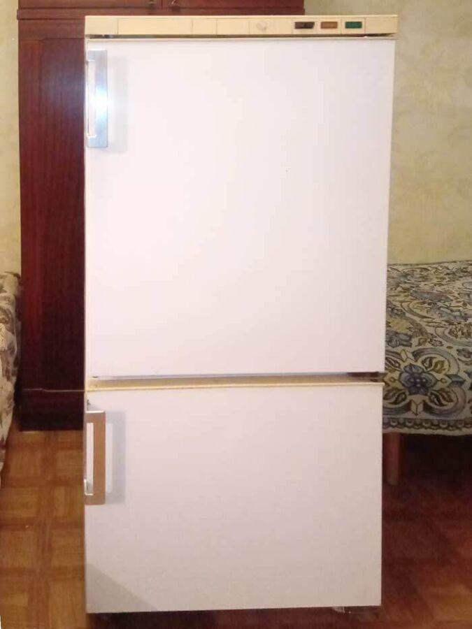 Б/у холодильник Snaige 117
