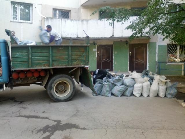 Вывоз строительного мусора. Вывезти мусор. Щебень. Песок. Отсев.