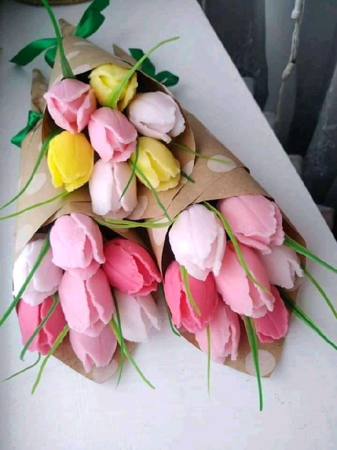 Букетики тюльпанів з мила