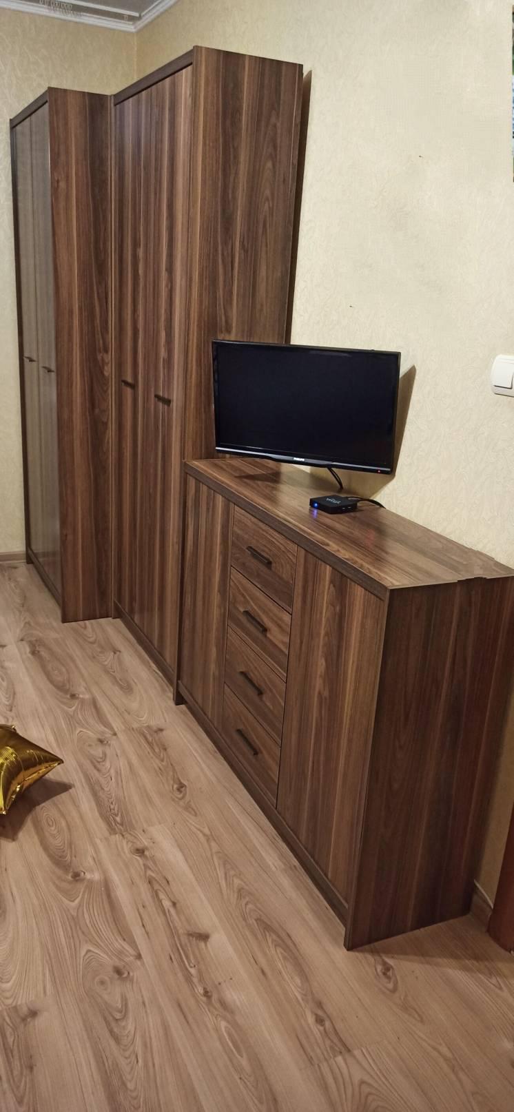 Модульная мебель (шкаф, пенал, комод) Можно по отдельности.