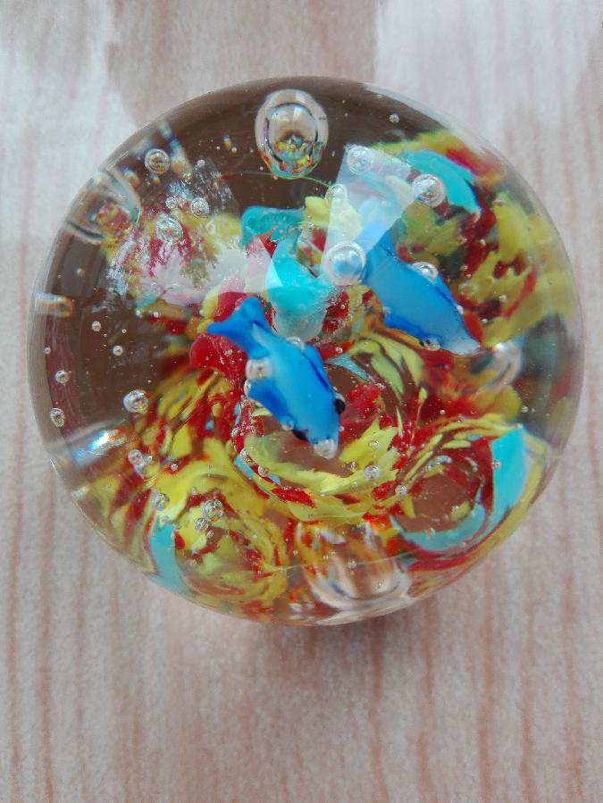 Сувенирный волшебный шар