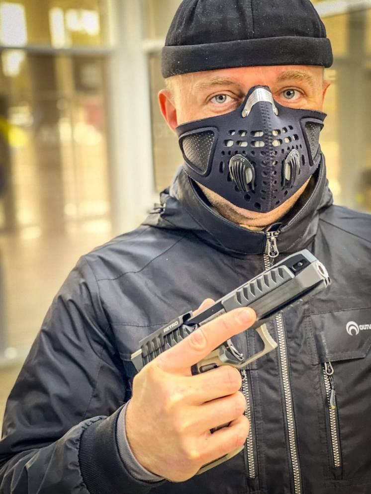 Защитная маска респиратор Respro для тира. Защита от пороховых газов