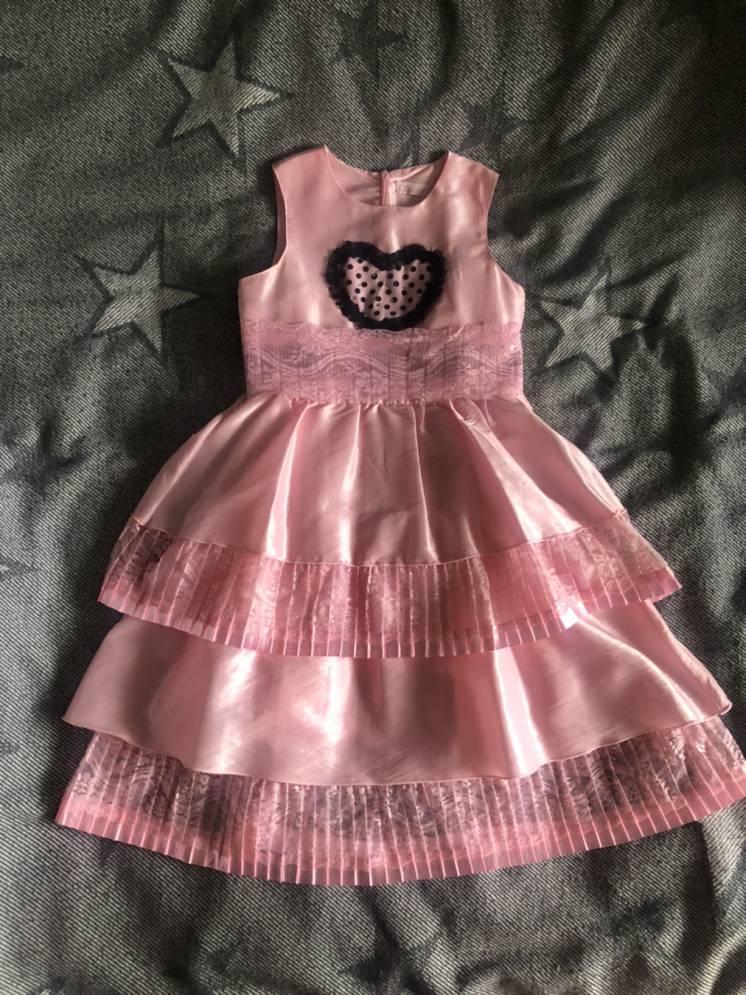 Впускне, нарядне плаття на дівчинку 128