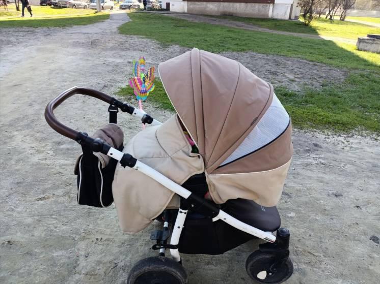 Срочно продам детскую коляску tutis zippy два в одном ну