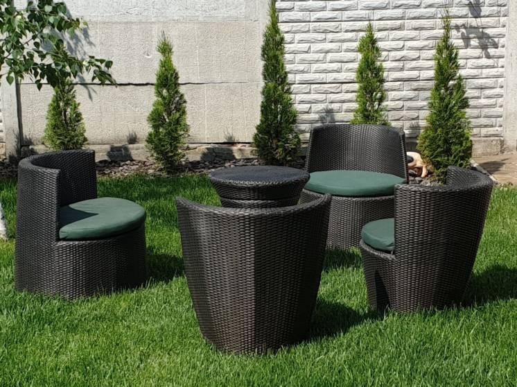 Продам комплект мебели из искусственного ротанга