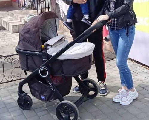 Продам срочно коляску Chicco urban