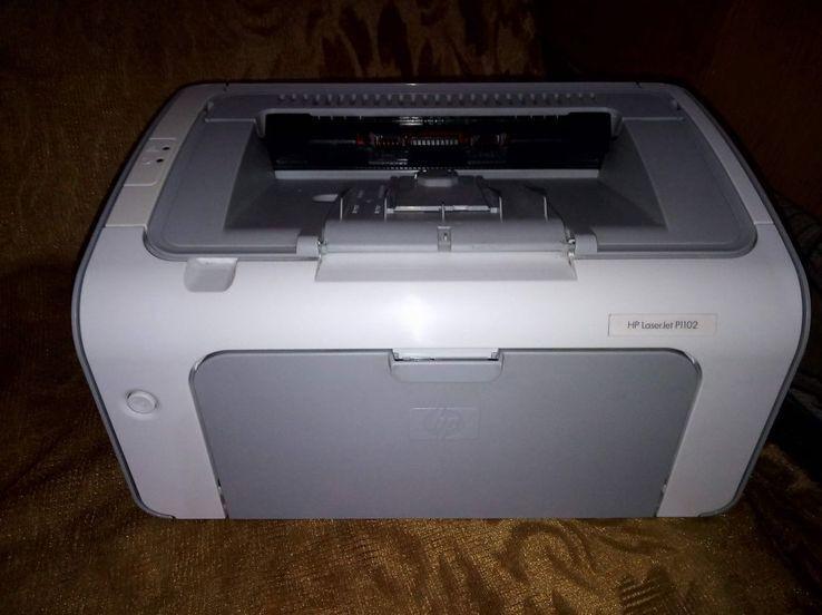 Почти новий HP p1102