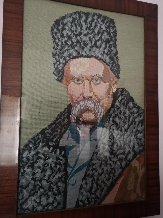 Вишитий портрет Шевченка