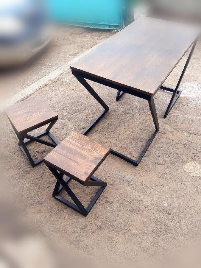 Стол и стулья для дачи лофт