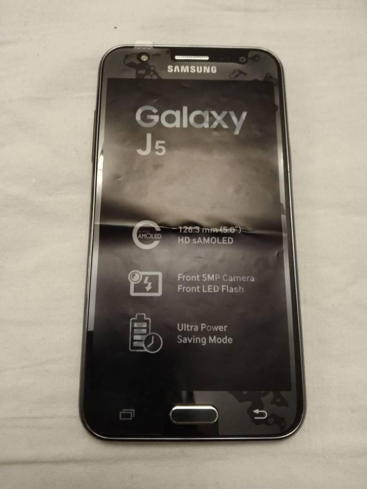 Продам телефон Samsung Galaxy J5 8GB 2SIM