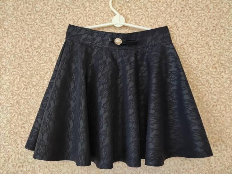 Школьная юбка из эко кожи