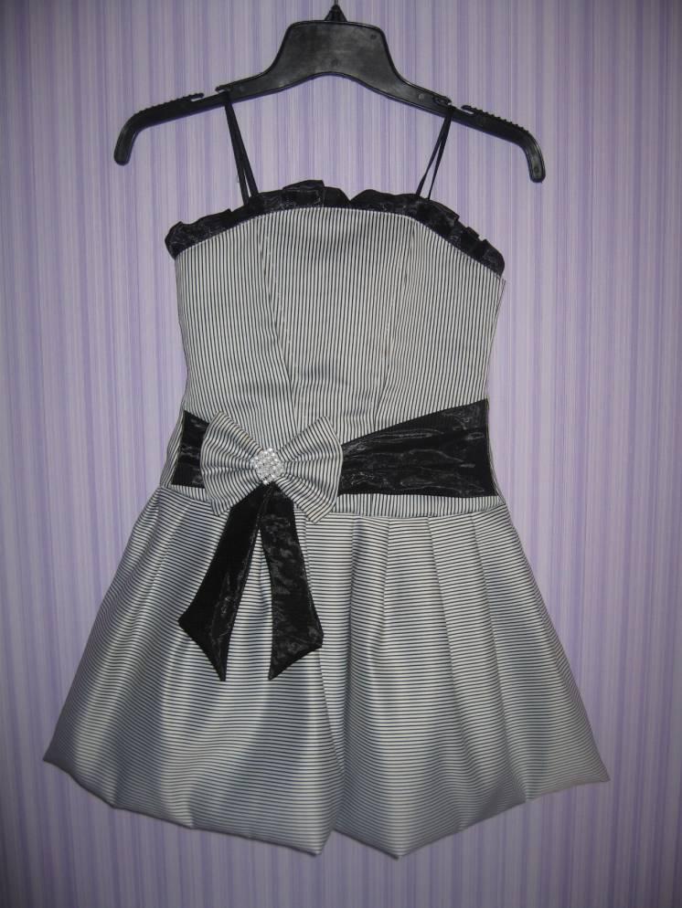 Красивое праздничное нарядное платье на девочку