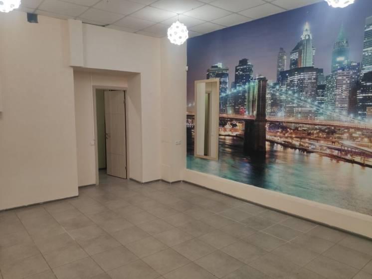 Сдам Свой офис проспект Гагарина 23, Отдельным вход, напротив ТЦ Нагор