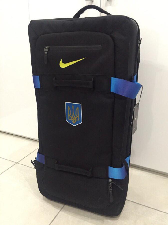 Продам чемодан nike Ukraine